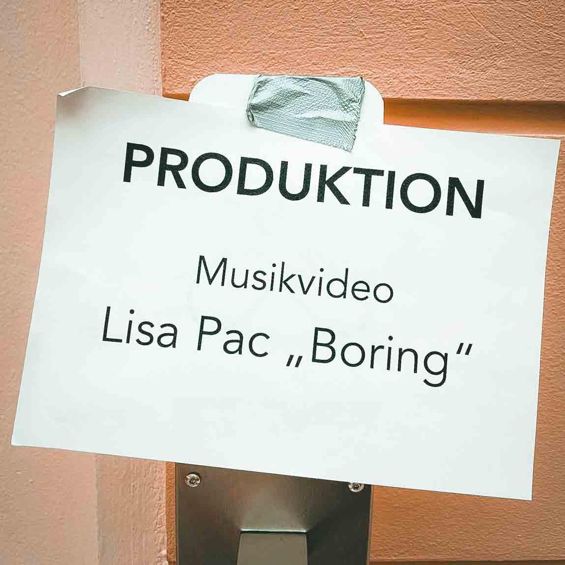Lisa Pac - Boring BTS Pics Komprimiert (11 von 19)