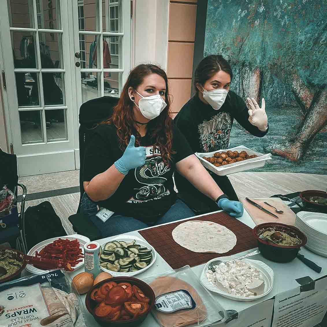 Lisa Pac - Boring BTS Pics Komprimiert (8 von 19)